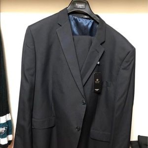 NEW Mens Haggar suit 52R WITH TAGS ON IT
